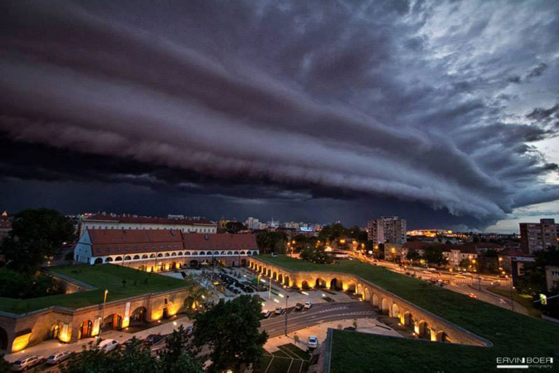 Shelf Cloud over Timisoara. Found at Twisted Sifter