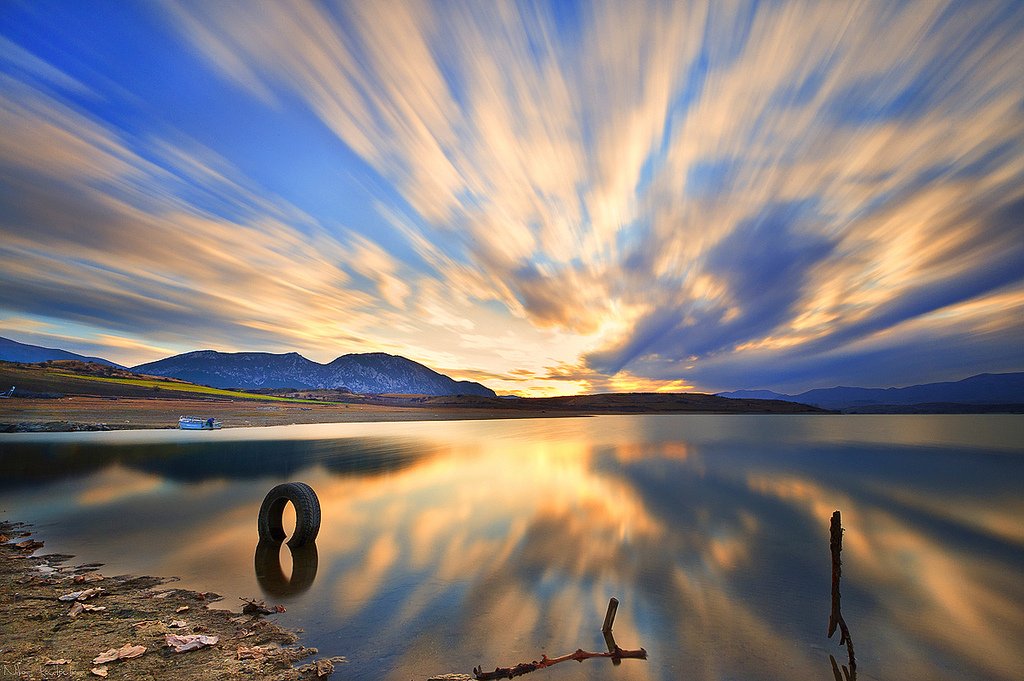 exploding-sky-polifitos-lake-greece-6875321201