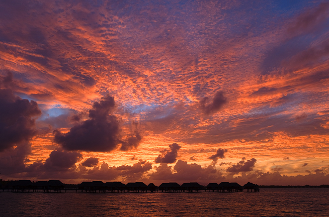 Bora_Bora_Four_Seasons_Sunrise