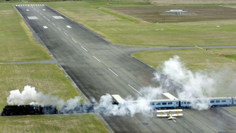 Gisborne Airport New Zealand  train