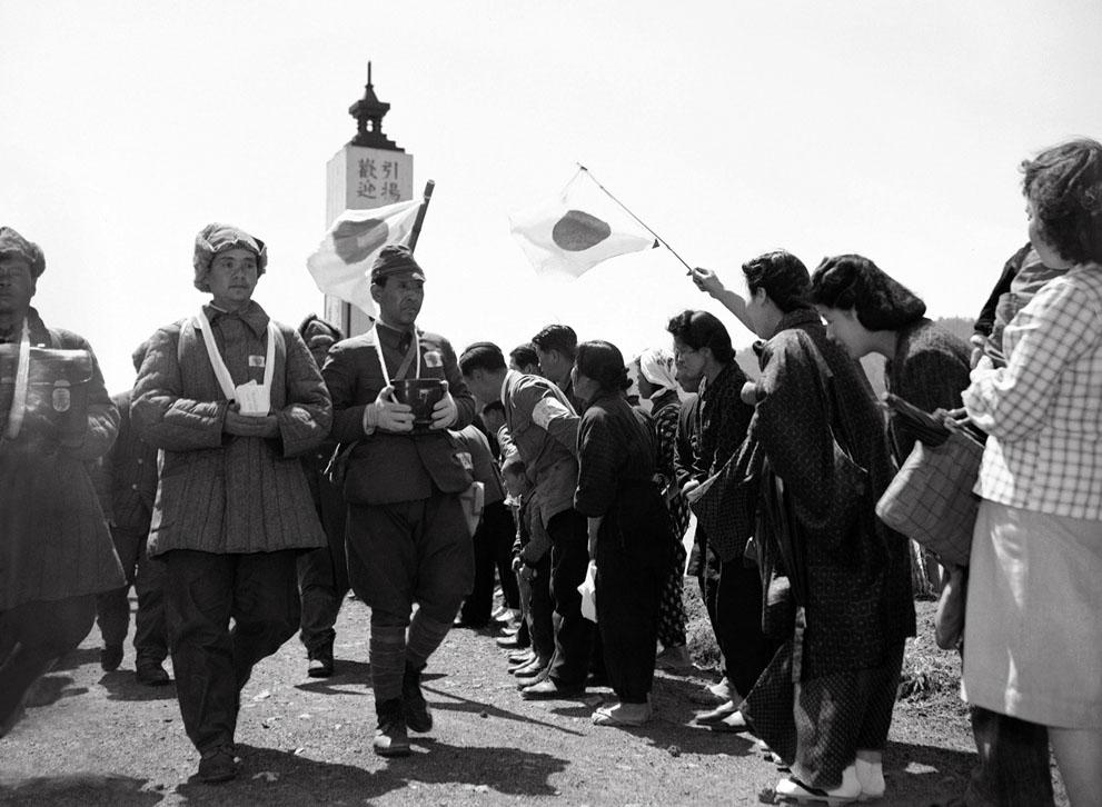 women Japan japanese soldiers repatriated