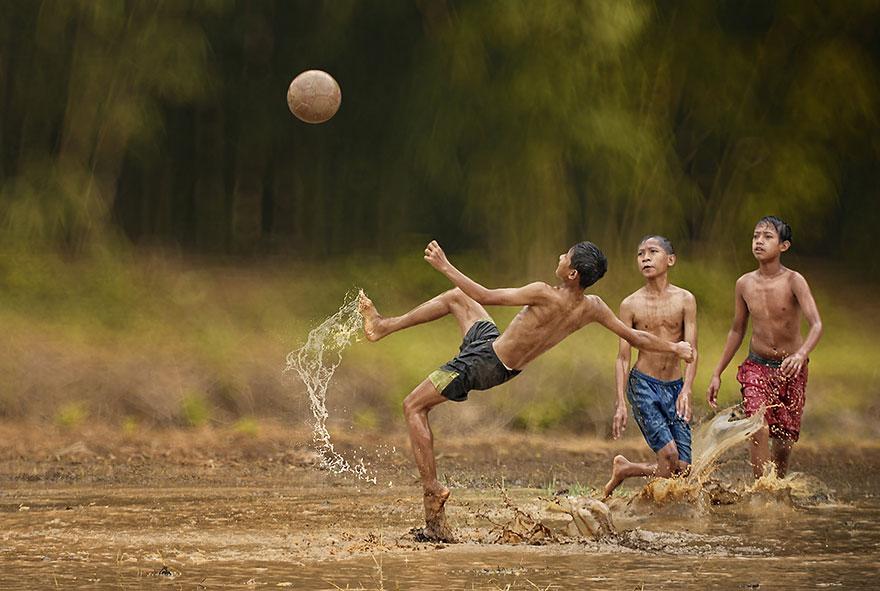 Indonesia everyday life by Herman Damar