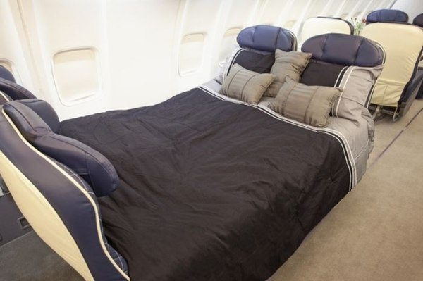 flat bed airplane seat first class titans tbb