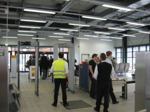 lufthansa frankfurt airport security screening