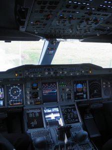 a380 cockpit airplane lufthansa