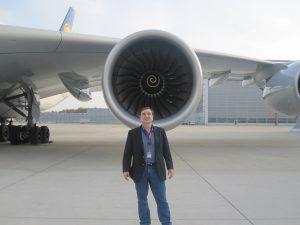 a380 engine airplane lufthansa