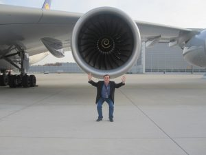 a380 engine airplane lufthansa