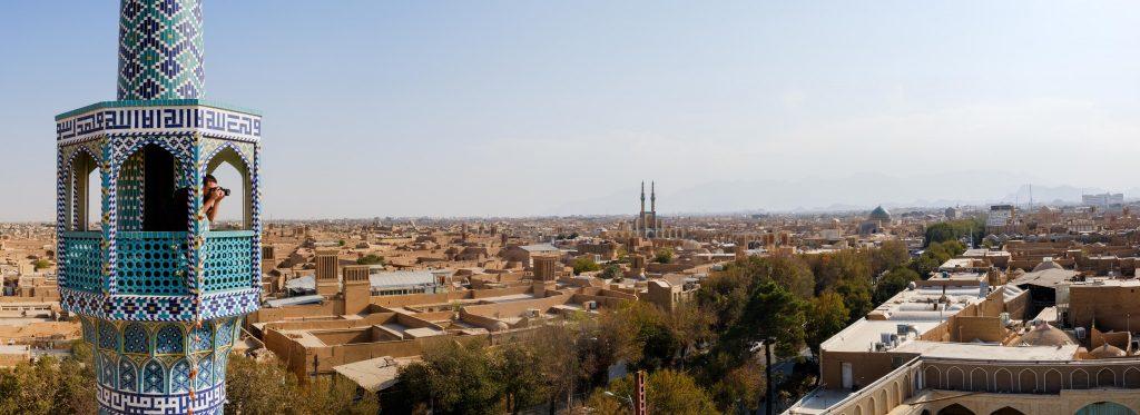 elliot-in-the-yazd-minaret